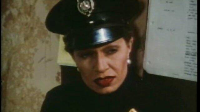 Cổ bằng miệng vào đầu phim xxx gái hàn những năm 70
