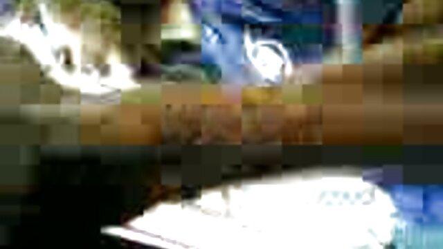 Anastasia xxx video hàn quốc Lux cởi trần truồng her một mình.